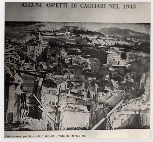 Una porzione del lato sud-est di Cagliari vista dal Terrapieno (1943)