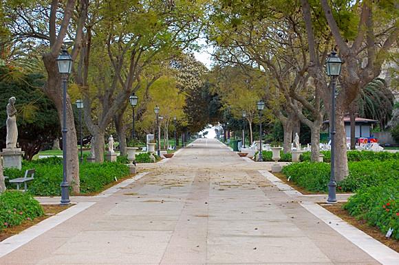 Viale alberato Giardini Pubblici